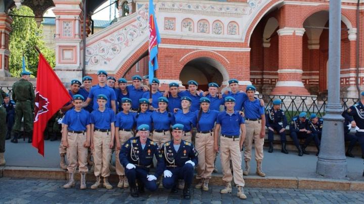 Ярославские десантники приехали с парада в Москве