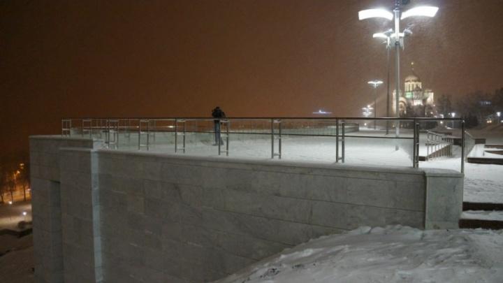 Сделать ниже: 2500 самарцев приняли участие в голосовании о судьбе стены на спуске площади Славы