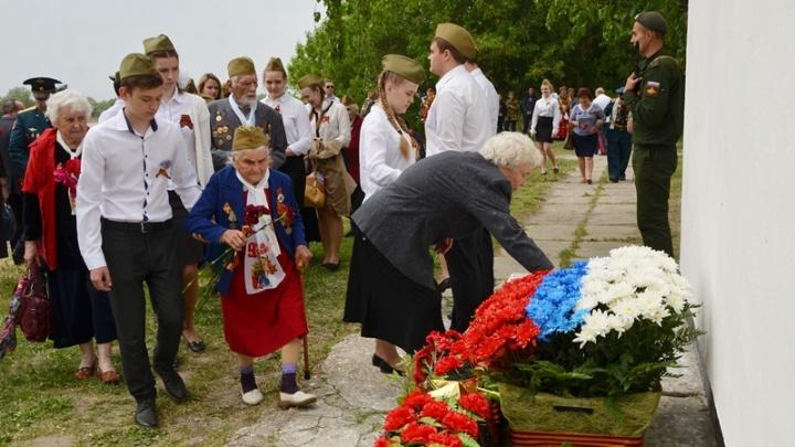 В станице Старочеркасской почтили память защитников Отечества всех поколений