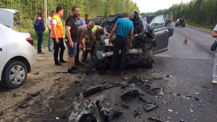 В ДТП на трассе Иртыш–Тюмень пострадали водитель и пассажир автомобиля Lexus