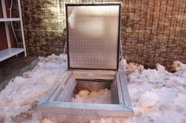 Использование оборудования для уборки снега на дворовой территории исключает необходимость использования грузового транспорта и самосвалов