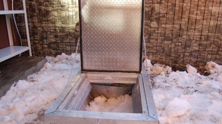 Тюменские дворы будут чистить от снега с помощью снеготопа