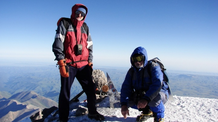 На Эльбрус, несмотря на ангину: пермяки покорили высочайшую горную вершину страны