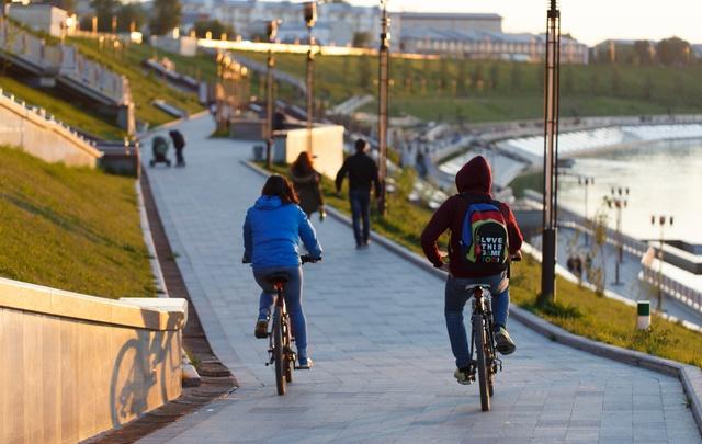 На набережной Туры пройдет экопробег в стиле эпохи XX века: на велосипедах, самокатах, роликах