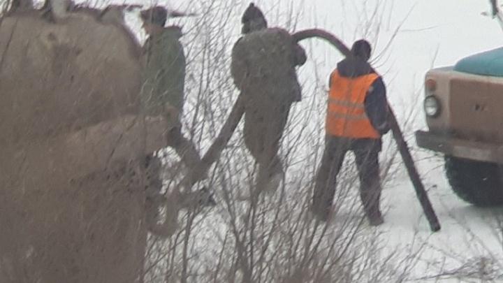 В Волгограде «черные ассенизаторы» слили нечистоты под окна многоэтажки