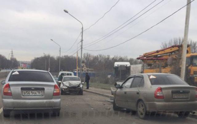 На Северном в столкновении «Лады» и Hyundai пострадали мужчина и женщина