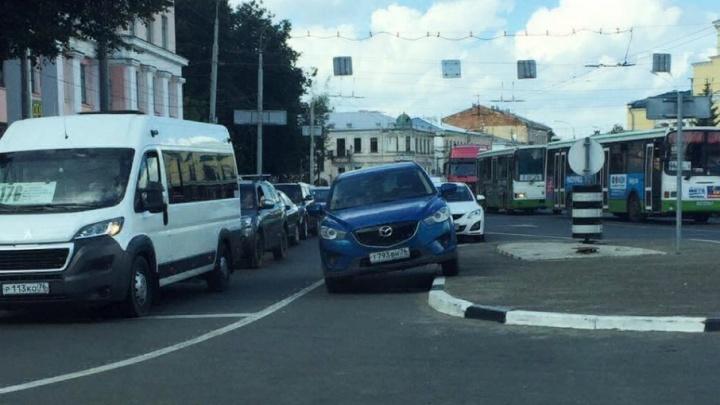 «Я паркуюсь, как»: чей это тротуар?