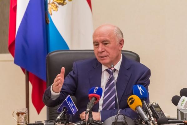Губернатор Самарской области владеет гаражом и автомашиной Lada X-ray