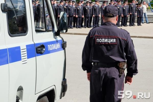 В целом за последние семь лет число россиян, довольных работой полицейских, заметно выросло