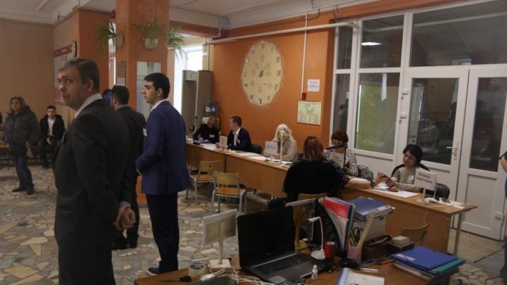 Председатель Общественной палаты Ростова Кущев: «Информация о вбросе бюллетеней не подтвердилась»