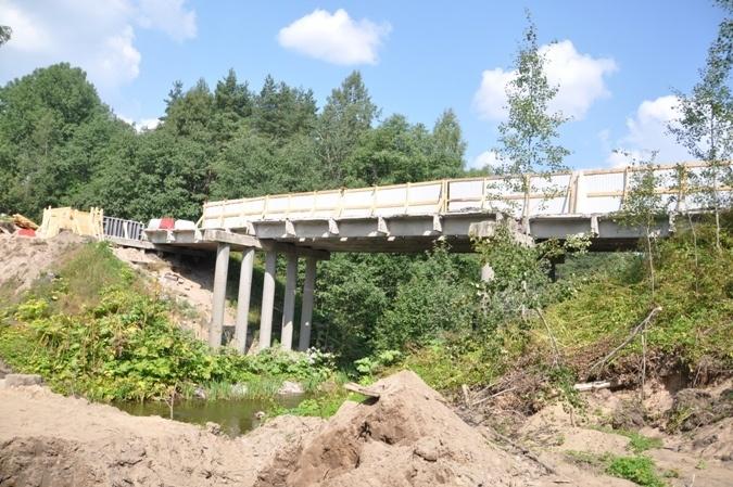 Равалившийся мост через р. Петлянка