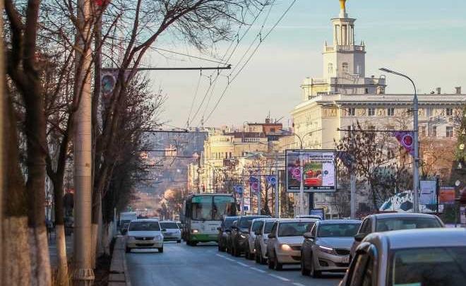 В Ростове к чемпионату мира высокие бордюры заменят на низкие
