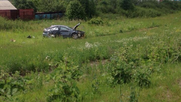 Челябинка на Mitsubishi вылетела с дороги у садов и дважды перевернулась