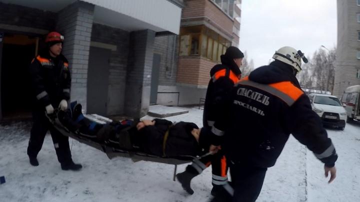 В Ярославле 13-летний подросток выпал из окна третьего этажа