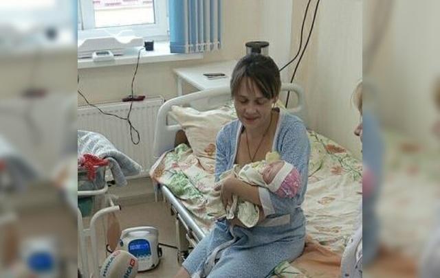 «Помогли три чуда»: лечащий врач рассказал, как спасали родившуюся в Гоа малышку