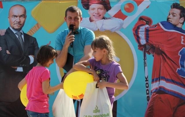В главный детский день тысячи ребят получили подарки от Садов Придонья