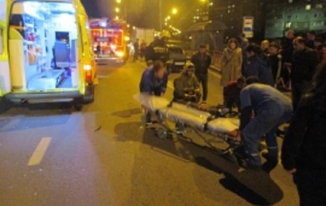 В Ярославле водитель ВАЗа сбил двух пешеходов и хотел сбежать