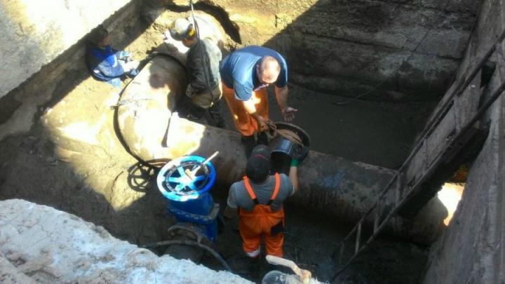 На Темернике прорвало трубу: несколько улиц остались без холодной воды