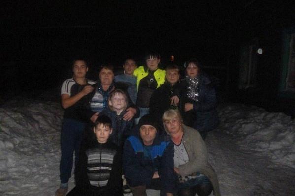 Все 12 детей у Нины Анатольевны – свои, родные.