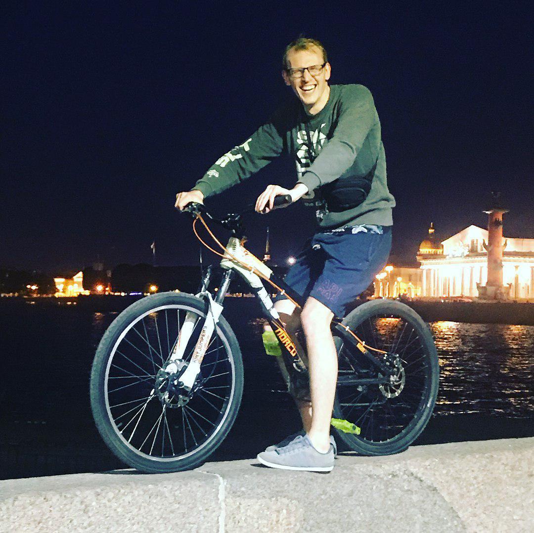 Виктор Корнев  /www.instagram.com/viktorjustfun/
