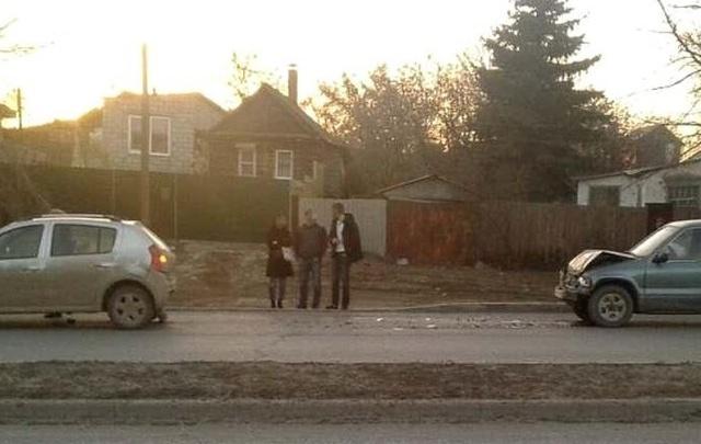 В Волгограде 8 марта водитель джипа отправил в больницу женщину-водителя