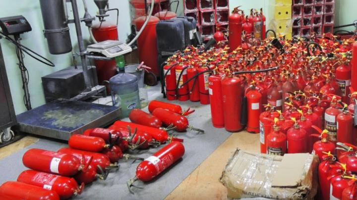 Тюменские компании перед проверками массово скупают огнетушители