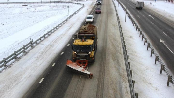 Из-за снегопада донские дорожники перешли на усиленный режим работы