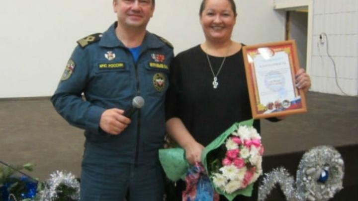 В Ярославле наградили женщину, которая спасла двух тонущих детей