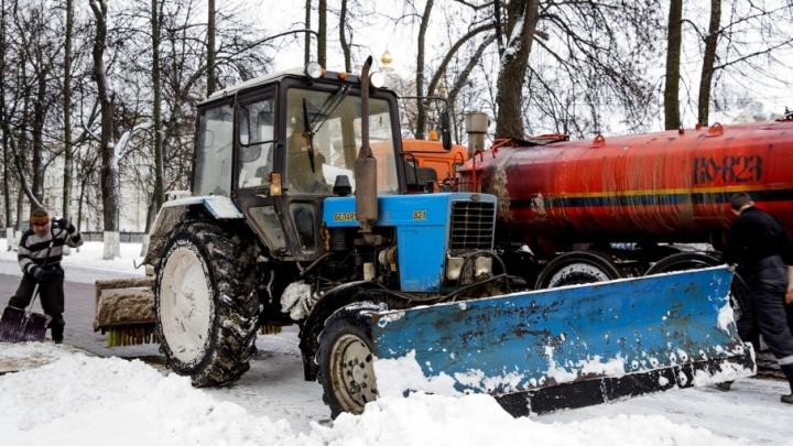 Мэрия Ярославля: хорошо чистить дороги мешают водители