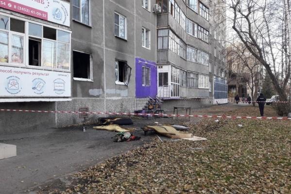 В двухкомнатной квартире обнаружена болгарка, ее вилку вырвало из стены вместе с розеткой