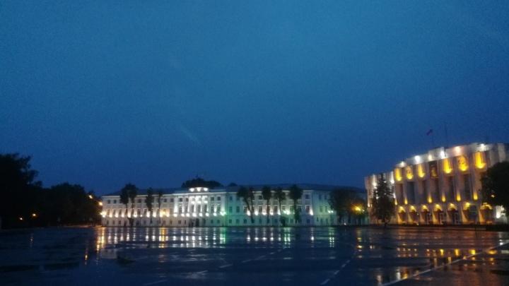 На Советской площади поставят четыре десятка новых фонарей