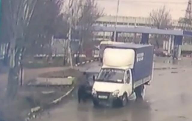 Автовор, орудующий на строительном рынке в Ростове, попал на видео