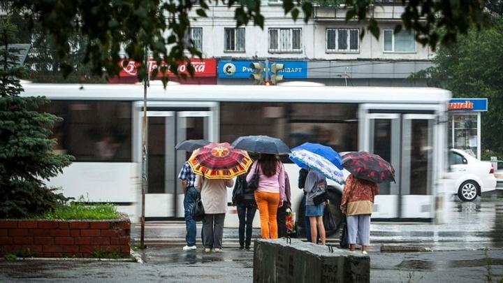 Сильные дожди с градом накроют Челябинскую область