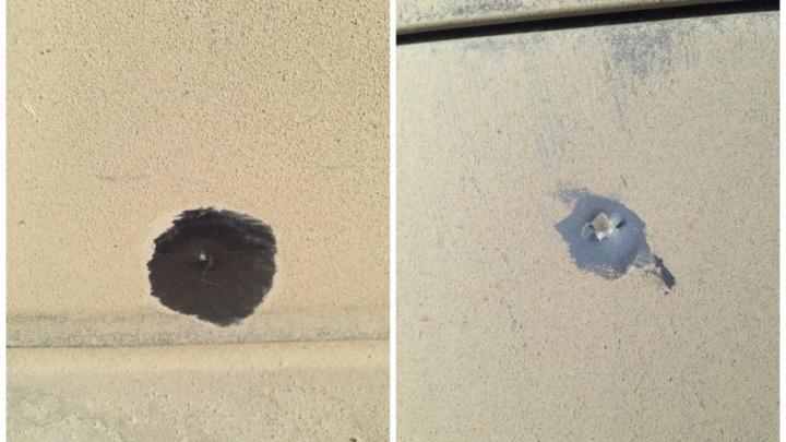 Полиция ищет водителя, который на Мысу обстрелял чужую машину из пневматики