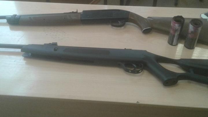 В Самаре школьник пронес оружие в школу и разбросал дымовые факелы по коридору