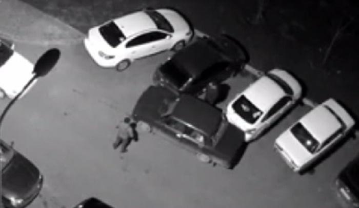 Ростовские автоворы разгромили три автомобиля во время бегства с места преступления
