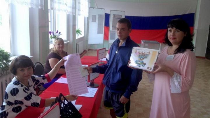 Девять тысяч жителей Ростовской области пришли сегодня днем на избирательные участки