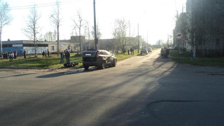 В Архангельске водитель «Вольво» не уступил дорогу «Ямахе»