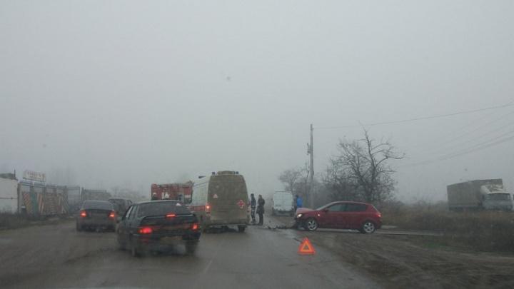 Полиция назвала причины массовой аварии на улице Казахской в Волгограде