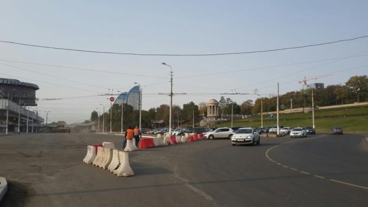 В Волгограде из-за ремонта дороги перекрыли проезд к речному вокзалу