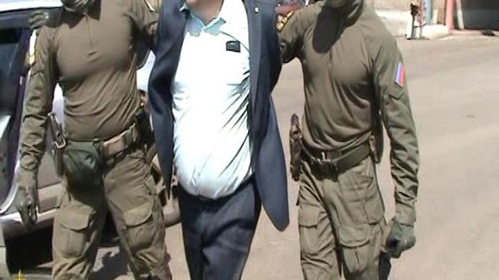 Задержание главы магнитогорских дорожников ФСБ сняла на видео
