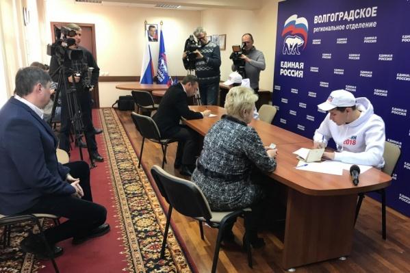 Сбор подписей за Путина в Волгограде прошел успешно, но в обстановке глубокой секретности