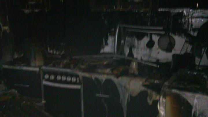 На проспекте Толбухина в Ярославле загорелся жилой дом