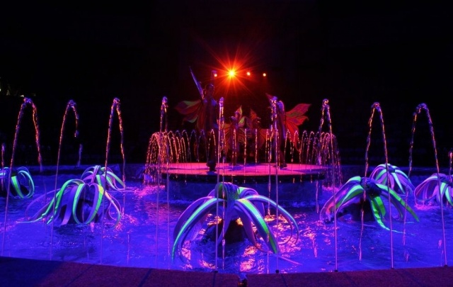 Новогодняя елка в «Цирке на воде»