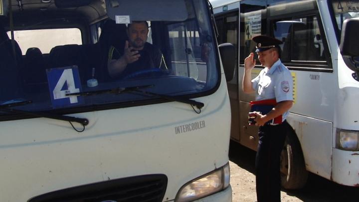 Гонки на дорогах и маршрутки битком: как перевозят пассажиров в Самаре