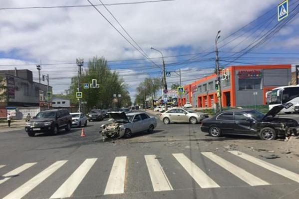 Из-за ДТП на улице Авроры образовалась пробка