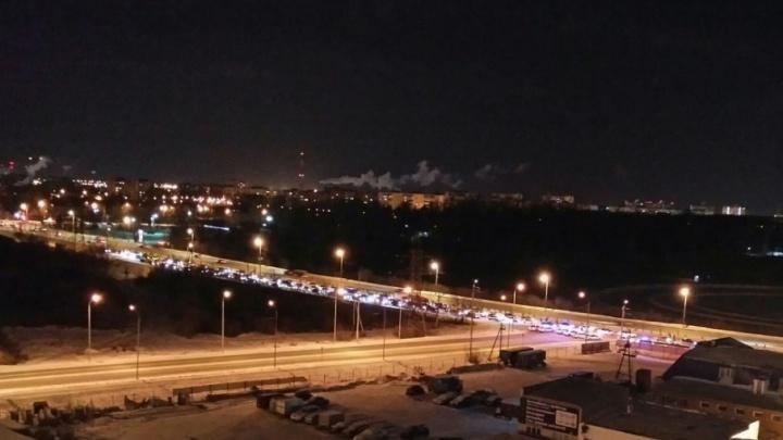 Тормозят и проверяют документы: на Алебашевской дежурит десяток машин ДПС