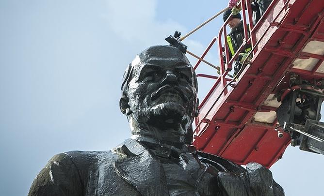 «Представляет опасность»: Тефтелев объяснил, зачем тратить миллионы на памятник Ленину