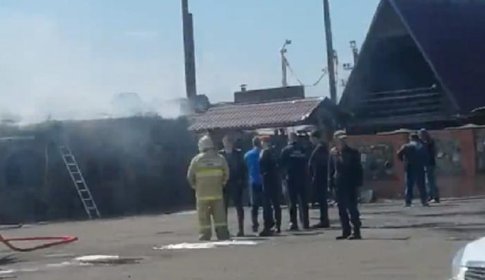 На выезде из Ярославля полностью сгорело популярное кафе