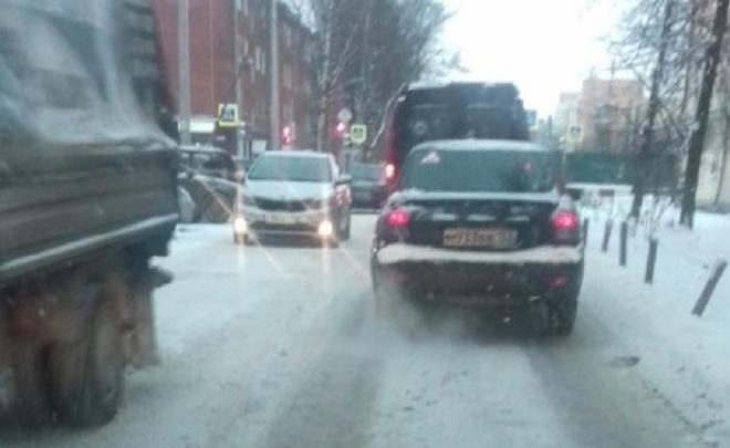 Где техника? Ярославна собрала фото всех улиц, где после снегопада нахалтурили подрядчики